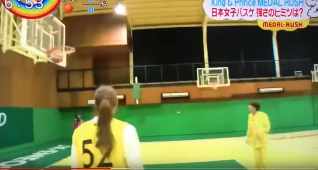 高橋海人のバスケシュートで持ち前の運動神経を発揮!