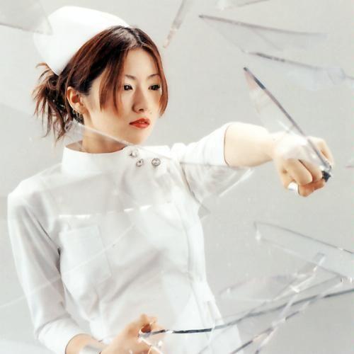 椎名林檎の色気画像【ナース服】