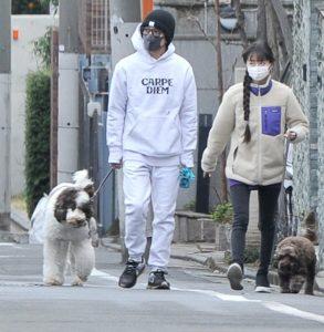 キムタクの愛犬アム散歩写真