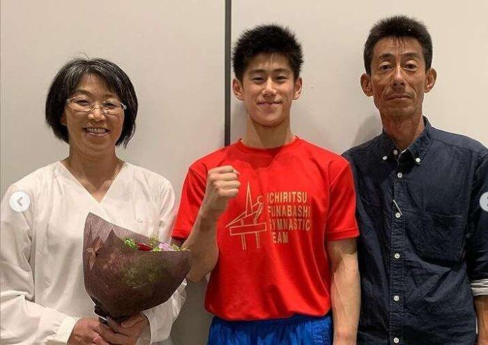 橋本大輝と両親