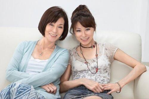 野際陽子と真瀬樹里の母娘ツーショット写真画像