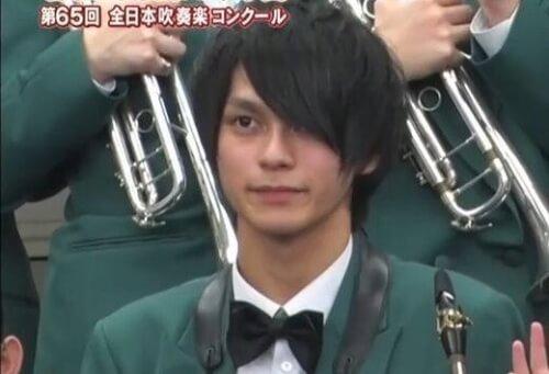 眞栄田郷敦が高校で吹奏楽の全国大会に行った時の画像