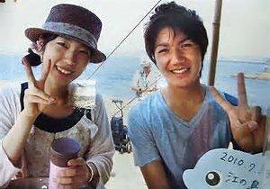 小室圭さんと並河理奈さんのツーショット写真の画像