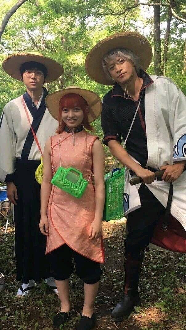 橋本環奈と小栗旬、菅田将暉の「銀魂」撮影中の様子画像