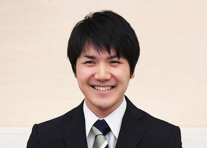 小室圭さんが笑顔の写真画像