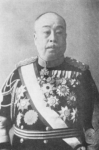 本郷房太郎が軍服を着ている写真の画像